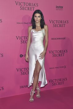 Kendall Jenner attends the 2016 Victoria's Secret Fashion Show after party on November 2016 in Paris, France. Kendall Jenner attends the 2016 Victoria's Secret Fashion Show after party on November 2016 in Paris, France. Moda Victoria Secret, Victoria Secret Fashion Show, Satin Dresses, Ball Dresses, Prom Dresses, Fashion Show 2016, Victoria's Secret, Mode Inspiration, Character Inspiration