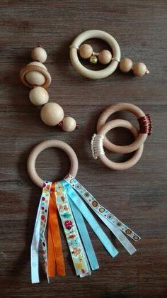 Fabrication maison / hochets montessori / tringles à rideau et perles / bois naturel huilé / macramé