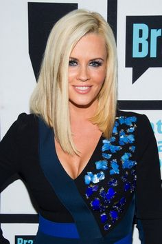 The angled lob emphasizes her sharp cheekbones and narrow face. Icy Blonde, Golden Blonde, Blonde Hair, Celebrity Hairstyles, Cool Hairstyles, Wedding Hairstyles, 2015 Hairstyles, Medium Hairstyles, Braided Hairstyles