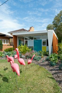 NEST ARCHITECTS - fantastic ode to retro style of an existing house & renovation #lifeinstyle #greenwithenvy