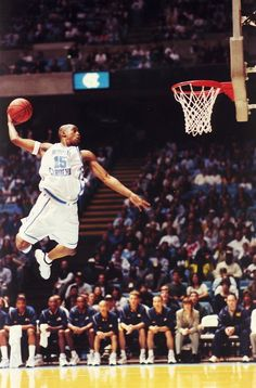 Is Vince Carter the best dunker in NBA history? Basketball History, Basketball Is Life, Basketball Pictures, Basketball Legends, College Basketball, Basketball Players, Basketball Jones, Nba Stars, Sports Stars