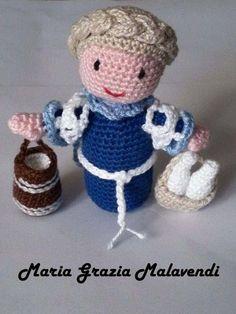 presepe-la-lattaia Pebble Art, Puppets, Dinosaur Stuffed Animal, Baby Shoes, Crochet Hats, Teddy Bear, Knitting, Pattern, Christmas