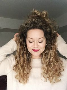 Blonde Hair | Curly Hair | Natural Curls | Balayage | Long Curly Hair | Red Liquid Lip