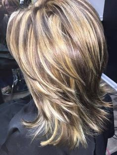Trendy Hair Color And Haircut Are Fascinating - Schulterlange Haare Ideen Medium Hair Cuts, Long Hair Cuts, Medium Hair Styles, Curly Hair Styles, Medium Shag Haircuts, Haircuts For Long Hair, Hair Color And Cut, Hair Highlights, Fine Hair