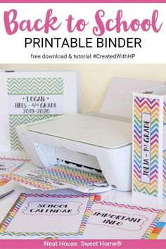 Keep those school papers from piling up. This back to school printable binder will help you stay organized throughout the school year. School Paper Organization, Classroom Organization, Organization Hacks, Classroom Tools, Organizing Tips, School Secretary Office, School Office, Binder Dividers, School Routines