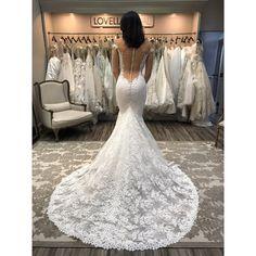 28 abiti da sposa scollati dietro perfetti per una posa romantica e sexy 34d4ddbadae