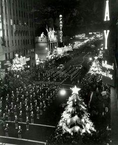 Santa parade hollywood@50s