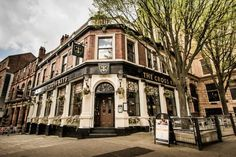 Welcome to The Cross Keys - Real Ale Pub & Restaurant in Nottingham City Centre Nottingham Pubs, Nottingham City Centre, British Restaurants, Old Pub, Sherwood Forest, Industrial Architecture, Listed Building, Old Buildings, City Break