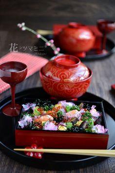 「雛ちらし」 - 花ヲツマミニ Japanese Table, Japanese Dishes, Japanese Food, Japanese Culture, Sushi Recipes, Asian Recipes, Japanese Wagashi, Miniature Food, Food Presentation