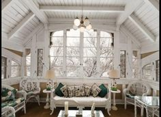 LOVE this room!!! Love the light and the big windows. Super duper reading room