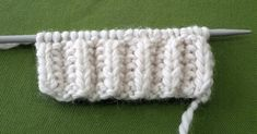 How to Knit - Brioche Stitch Pattern Contacter Nurgün directement Techniques de tricotage Partie Knitting Videos, Arm Knitting, Crochet Videos, Knitting For Beginners, Knitting Stitches, Baby Knitting Patterns, Knitting Designs, Stitch Patterns, Crochet Patterns