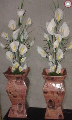 """Artesanalta. : Vaso confeccionado com caixa  de leite e flores de e.v.a.  """"Amo o que faço."""""""