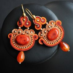 kolczyki - soutache-Bollywood 6  - this medium/form creates such beautiful shapes...