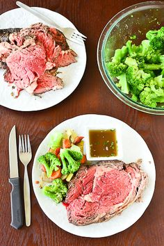 rosemary & thyme crusted prime rib roast. oh how i want and need this.... ❤
