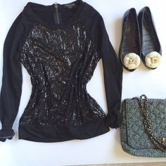 Glitter sweater Glitter sequined sweater top in black. Forever 21 Sweaters Crew & Scoop Necks