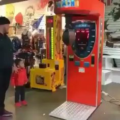 Dad of the year - drôle Funny Shit, Funny Vidos, 9gag Funny, Funny As Hell, Funny Laugh, Stupid Funny Memes, Funny Short Videos, Funny Video Memes, Really Funny Memes