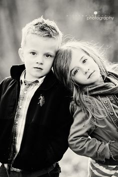 What beautiful children! Love this picture. What beautiful children! Love this picture. The post What beautiful children! Love this picture. appeared first on Pink Unicorn. Sister Poses, Kid Poses, Brother Sister Photos, Brother Sister Photography, Friend Poses, Family Posing, Family Portraits, Child Portraits, Foto Portrait