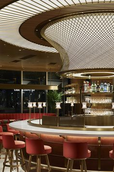 Guarantee you have access to the best lighting pieces for your bar project - What kind of lamp do you need? Bar Interior Design, Restaurant Interior Design, Cafe Interior, Cafe Design, Restaurant Furniture, Lumiere Restaurant, Restaurant Lounge, Bar Lounge, Hotel Lobby Design