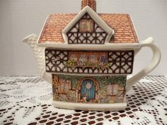 James Sadler Country Cottages Collection Ivy House British Teapot England