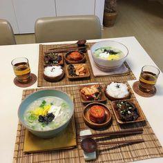K Food, Love Food, Food Porn, South Korean Food, Weird Food, Food Goals, Aesthetic Food, Asian Recipes, Food Inspiration