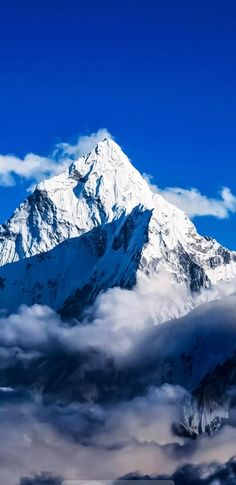 India most very big and popular mountain ***( HIMALAYA mountain )**^/= Amazing Places In India, Beautiful Places In The World, Tourist Places, Places To Travel, Places To Visit, Mountain Photography, Nature Photography, Everest Mountain, Countries To Visit