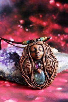 Labradorite and Amethyst Goddess Necklace Handcrafted por TRaewyn