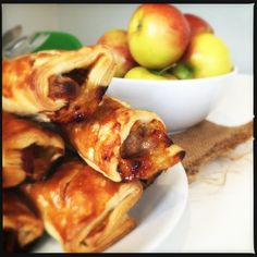Posh sausage roll - homemade sausage roll recipe, these sausage rolls are just awesome - stuffed with onion chutney and cheese alongside the sausage just TOO GOOD - one to pin and make again and again and again!