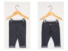 Calça Jeans. Tecido leve e confortável, ideal para bebês meninas