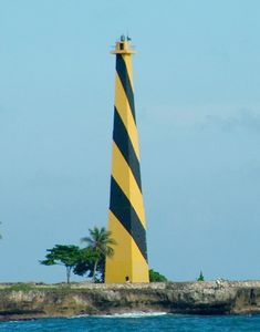 Punta Torrecilla Light, Santo Domingo, Dominican Republic, September 2009  Flickr Creative Commons photo by Olivier Royer