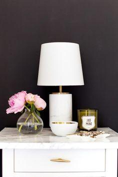 42 Stylish Nightstand Decor Ideas, Home Accessories, 42 Stylish Nightstand Decor Ideas – Captain Decor. Style At Home, Home Bedroom, Bedroom Decor, Bedrooms, Deco Originale, Home Decor Inspiration, Decor Ideas, Lamp Ideas, Deco Table