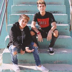 Hope yall like our song! specially made for our gooniesComment if you are our younow girl