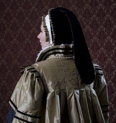 haute couture fashion Archives - Best Fashion Tips Elizabethan Clothing, Elizabethan Costume, Elizabethan Fashion, Tudor Fashion, Renaissance Fashion, Renaissance Era, Historical Costume, Historical Clothing, English Dress