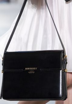 Good Cost-Free Fashion Bags burberry Style Uour totes along with shoes are precisely what determine your individual a feeling of style. Spring Outfit Women, Spring Outfits, Fashion Bags, Fashion Accessories, Fashion Outfits, Fashion Heels, Fashion Fashion, Fashion Women, Fashion Handbags