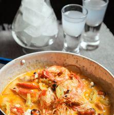 Το κλασσικό σαγανάκι με γαρίδες εμπλουτισμένο με τη γλυκιά σάρκα από τα μύδια και τη μοσχοβολιά του βουτύρου. Greek Recipes, Fish Recipes, Seafood Recipes, Appetizer Recipes, Cooking Recipes, Prawn Fish, Fish And Seafood, Greek Cooking, Appetisers