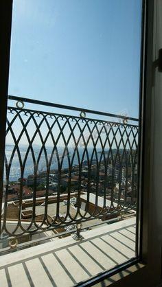 ferforje balkon korkuluklari RMZ BLK 004 A Iron Balcony, Balcony Railing, Dream Home Design, House Design, Banisters, Railings, French Balcony, Iron Art, French Country House