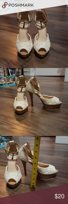 Women's heels Gorgeous womens cream and tan daisy knitted heels size 7 worn 1 time in excellent condition Forever 21 Shoes Heels