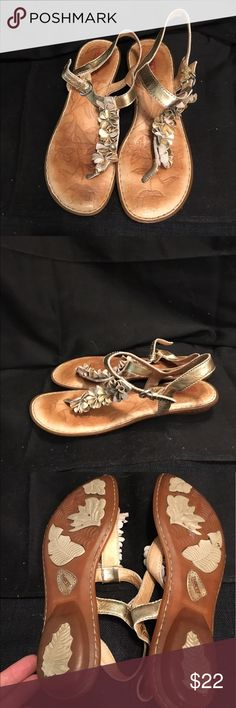 Size 7/38 Born gold sandals Cute size 7/38 Born gold leather sandals, super cute, good condition and gently used. Born Shoes Sandals