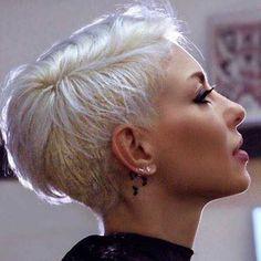 Sweet Pixie Cuts for stylish girls - #girls #pixie #stylish #sweet - #HairstyleCuteRoundFaces