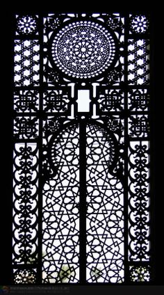 Ornament windows in the mosque ar Rifa'i, Cairo-Egypt Islamic Architecture, Art And Architecture, Architecture Details, Laser Art, Kairo, Window Screens, Cairo Egypt, Iron Doors, Beautiful Buildings
