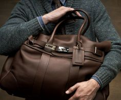 Brunello Cucinelli Look 09 Pink Luggage, Types Of Purses, Leather Duffle Bag, Brunello Cucinelli, Beautiful Bags, Stylish Men, Leather Men, Mens Fashion, Shoe Bag