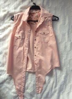 Kup mój przedmiot na #vintedpl http://www.vinted.pl/damska-odziez/koszule/14722772-sliczna-lososiowa-koszula-bez-rekawow-cropp-s