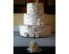 Non-fondant cake inspiration? :  wedding cake inspiration picture Corova%20Dreams http://greatcakes.net/cakes/Corova%20Dreams.JPG