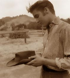 October 1, 1956  After test audience reacted negatively to Elvis' character dying at the end, it was then changed to the Elvis singing Love Me Tender