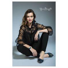 Juliette shoes with matching accessories designed by @delacier are available at @clique_design_studio. (By appointment) . Photo: @bodogansandor  Model: @nikolettaranyi  Stylist: @jkaposistyle  Makeup: @klaranagymakeup Hair: @zellei_aron_ . . #mandragora_design #handmadeshoes #designershoes #exclusivedesign #newcollection #uniqueshoes #shoeholic #sheaddict #shoelover #leathershoes #luxuryshoes #balletflats #xmasparty #elegantstyle #fashionbloggeruk #hungarianfashion #hungariandesigner…