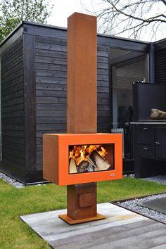 Zeno Retta Mini buitenhaard met klein postuur van cortenstaal met oranje front
