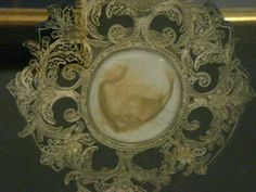 A lock of Catherine Parr's hair, taken from her coffin in Wives Of Henry Viii, King Henry Viii, Jane Seymour, Eduardo Iv, Princesa Elizabeth, Catherine Parr, Queen Of England, British History, Tudor