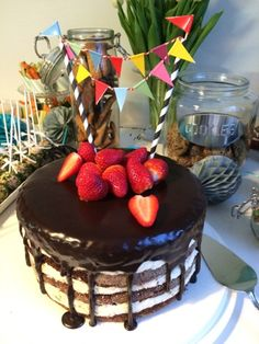 Nakukakku Birthday Cake, Desserts, Food, Tailgate Desserts, Deserts, Birthday Cakes, Essen, Postres, Meals