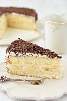 Bananentorte mit Milchkonfitüre- Creme - Rezept Recipe for banana cake with milk jam cream. Light Cakes, Chocolate Shavings, Box Cake, Cream Recipes, 4 Ingredients, Mascarpone Creme, Food And Drink, Yummy Food, Favorite Recipes
