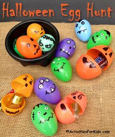Halloween party games for kids - Upcycle plastic Easter Eggs for a Halloween Egg Hunt. Find more holiday activities and ideas at ActivitiesForKids. halloween crafts for kids Halloween Party Games, Sac Halloween, Kids Party Games, Halloween Crafts For Kids, Halloween Cupcakes, Holidays Halloween, Halloween Designs, Toddler Halloween Games, Toddler Halloween Activities