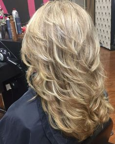 Thankful to the amazingly talented Leigh Tyndale Wooten of Paragon Hair Design i… – Hair Styles Haircuts For Long Hair With Layers, Thin Hair Haircuts, Long Layered Haircuts, Long Hair Short Layers, Layered Haircuts For Medium Hair, Medium Hair Cuts, Long Hair Cuts, Medium Hair Styles, Curly Hair Styles